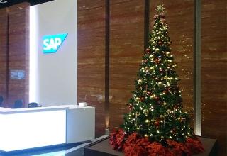 SAPジャパン本社ビル1Fのクリスマスツリー