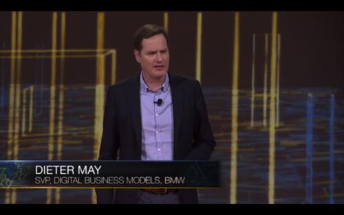 aws-reinvent-2015-keynote2nd_031