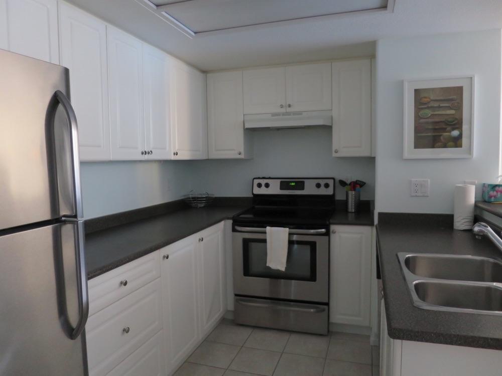 Airbnbで借りたアパートのキッチン