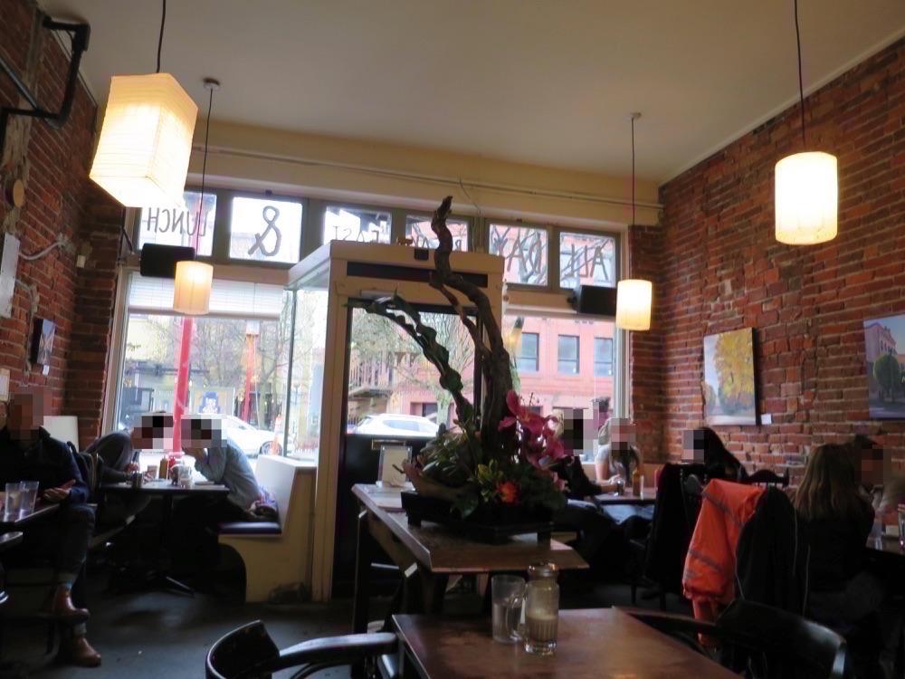 Mo:Lé Cafeの店内