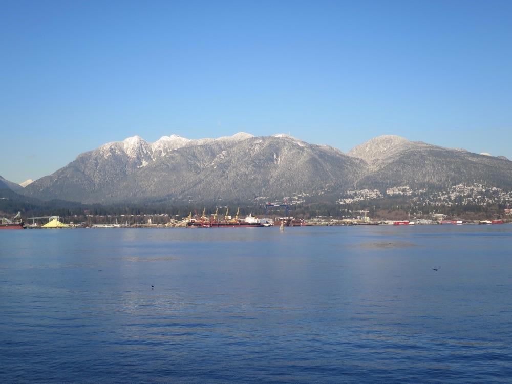 雪をかぶったNorth Vancouverの山
