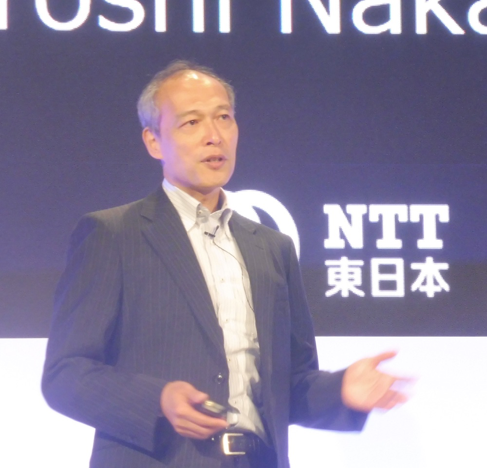 aws-summit-tokyo-2017-day3-keynote_ntteast_02