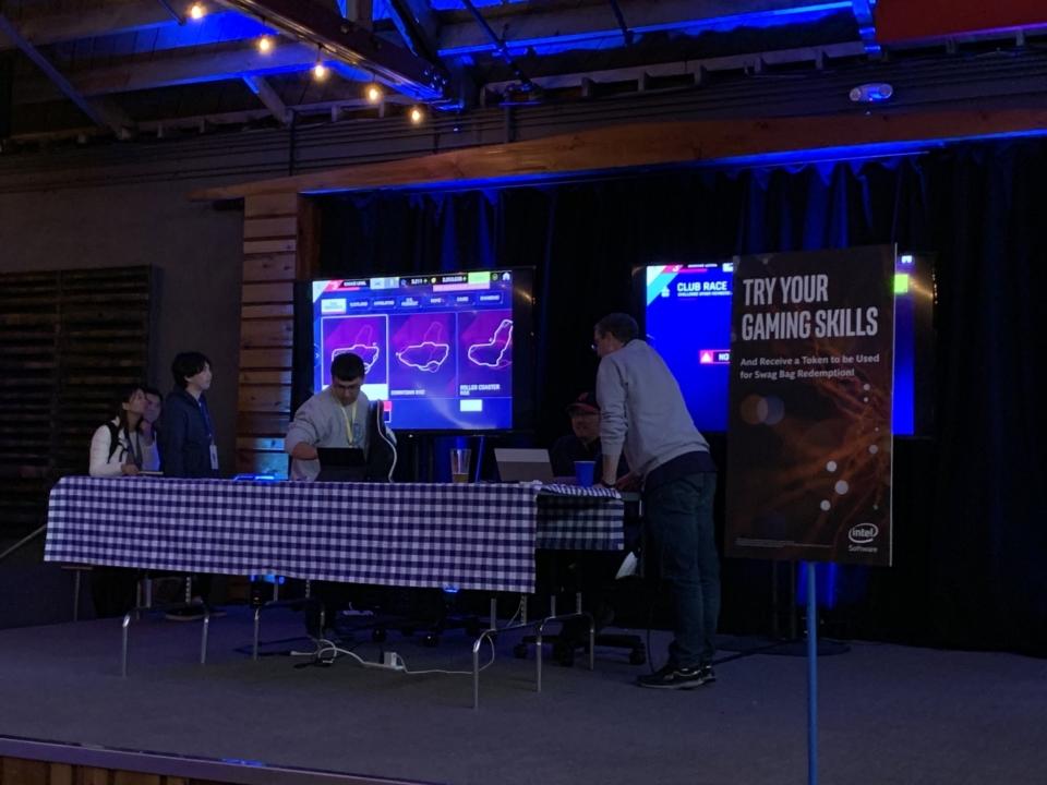 Intelイベント会場対戦ゲーム
